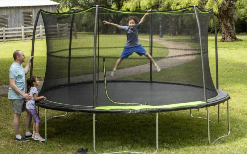 cea mai buna trambulina de gradina pentru copii